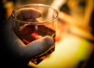 "Almost Alcoholic: 3 Signs You're A ""Risky Drinker"""