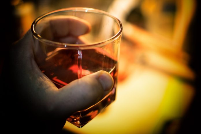 """Almost Alcoholic: 3 Signs You're A """"Risky Drinker"""